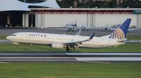 N75426 @ TPA - United 737-900
