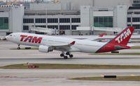 PT-MVV @ MIA - TAM A330-200