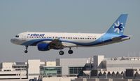 XA-JAV @ MIA - Interjet A320