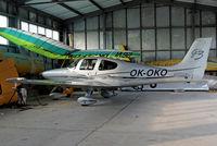 OK-OKO @ LKKL - Cirrus Design SR-22G3 GTS [2597] Kladno~OK 08/09/2012