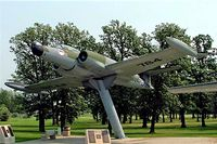 100784 @ CYWG - Avro Canada CF-100 Canuck 5D [684] (Royal Canadian Air Force) Winnipeg-International~C 25/07/2008 - by Ray Barber