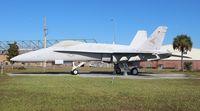 162462 @ VQQ - F/A-18 Hornet