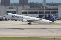 CC-CXJ @ MIA - LAN One World 767-300