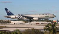 EI-DDH @ MIA - Alitalia Sky Team 777