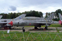 0817 @ LKVY - Mikoyan-Gurevich MiG-21U-400 Fishbed [660817] (Czech Air Force) Vyskov~OK 09/09/2007 - by Ray Barber