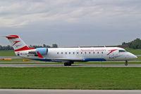 OE-LCO @ LOWW - Canadair CRJ-200LR [7371] (Austrian Arrows) Vienna-Schwechat~OE 13/09/2007 - by Ray Barber