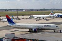 N1613B @ EDDF - Boeing 767-332ER [32776] (Delta Air Lines) Frankfurt~D 15/09/2007