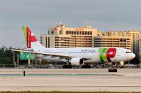 CS-TOM @ MIA - Miami - by Alex Feldstein