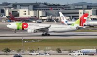 CS-TOR @ MIA - Ex TAM - now with TAP Air Portugal