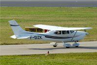 F-GIZK @ EDNY - Cessna 182S Skylane [182-80909] Friedrichshafen~D 03/04/2009