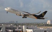 N325UP @ MIA - UPS 767-300