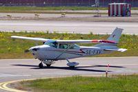 SE-FXV @ ESSB - Cessna 182P Skylane [182-61259] Stockholm-Bromma~SE 06/06/2008