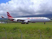 3B-NBI @ FMEE - Landing rwy 30 - by Payet Mickael