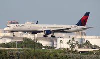 N582NW @ FLL - Delta 757-300