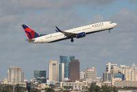 N807DN @ FLL - Delta 737-900