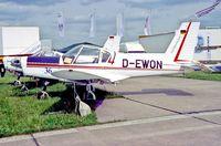 D-EWON @ EDDB - Berlin Air Show 14.5.04 - by leo larsen