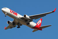 PT-MSV @ EGLL - Boeing 767-316ER [40593] (TAM Airlines) Home~G 20/09/2013. On approach 27R.