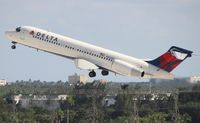 N929AT @ FLL - Delta 717