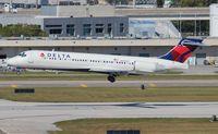 N990AT @ FLL - Delta
