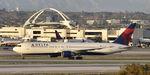 N143DA @ KLAX - Arrived at LAX on 25L