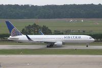 N675UA @ KIAH - Boeing 767-300 - by Mark Pasqualino