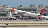 CS-TOI @ MIA - TAP Air Portugal