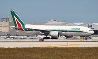 EI-ISO @ MIA - Alitalia
