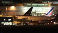 F-GSPN @ MIA - Air France 777-200 at night