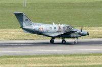091 @ LFBO - Embraer EMB-121AA Xingu, Landing rwy 14R, Toulouse-Blagnac Airport (LFBO-TLS) - by Yves-Q