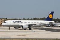 D-AIZB @ LMML - A320 D-AIZB Lufthansa - by Raymond Zammit