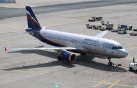 VQ-BKU @ EDDF - Airbus A320