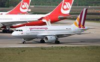 D-AKNN @ EDDT - Airbus A319