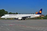 D-AEBP @ EPKK - Lufthansa Regional