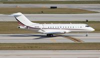 N104QS @ FLL - Net Jets Global 5000 - by Florida Metal