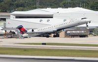 N313PQ @ FLL - Endeavor CRJ-900