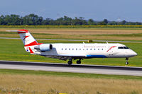 OE-LCQ @ LOWW - Canadair CRJ-200LR [7605] (Austrian Arrows) Vienna-Schwechat~OE 13/09/2007