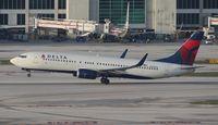 N386DA @ MIA - Delta 737-800
