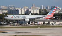 N390AA @ FLL - American picking up the Miami Dolphins