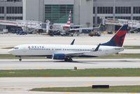 N398DA @ MIA - Delta 737-800