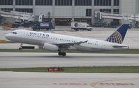 N410UA @ MIA - United A320