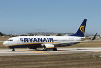 EI-EVM @ LMML - B737-800 EI-EVM Ryanair - by Raymond Zammit