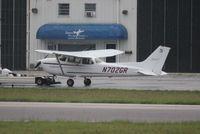 N702GR @ DAB - Cessna 172R