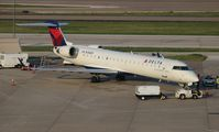 N754EV @ DFW - Delta Connection