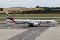A6-ECD @ LOWW - Emirates B.777-300ER @ VIE - by Stefan Mager