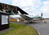 M-SYGB @ EGTF - Beechcraft King Air 200GT at Fairoaks. - by moxy