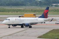 N818MD @ DTW - Delta Connection E170