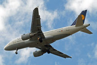 D-AIBG @ EGLL - Airbus A319-112 [4841] (Lufthansa) Home~G 07/07/2015. On approach 27R.