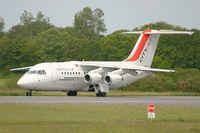 EI-RJJ @ LFRB - British Aerospace Avro 146-RJ85, Lining up prior take off rwy 25L, Brest-Bretagne airport (LFRB-BES) - by Yves-Q