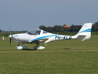 PH-KLQ @ EHTX - taxi to rwy after airshow - by Volker Leissing