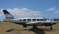 N135PB @ LUP - Makani Kai Air 1978 Piper PA-31-350 at Kalauapapa Airport, Molokai, HI - by Steve Nation